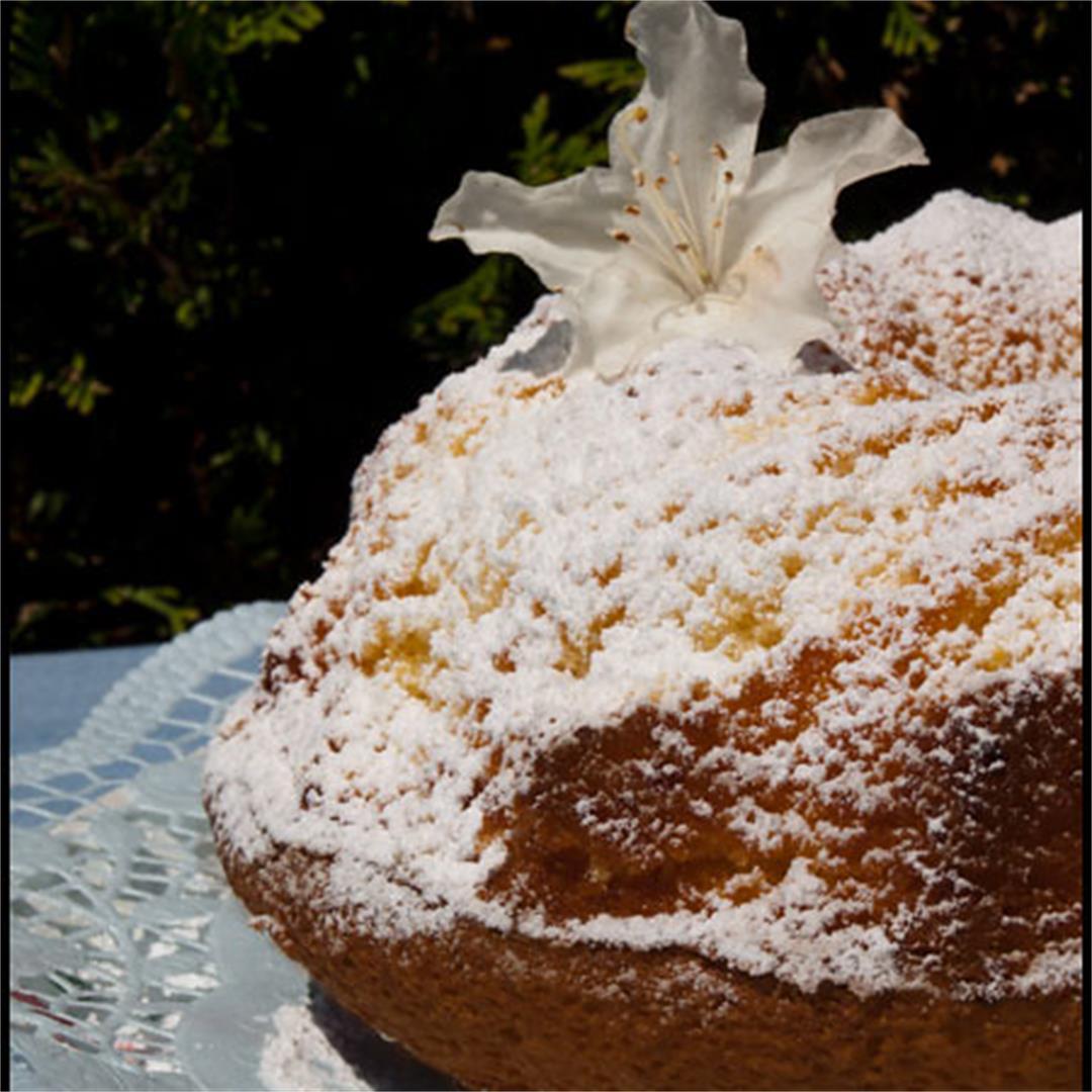 egg liqueur cake