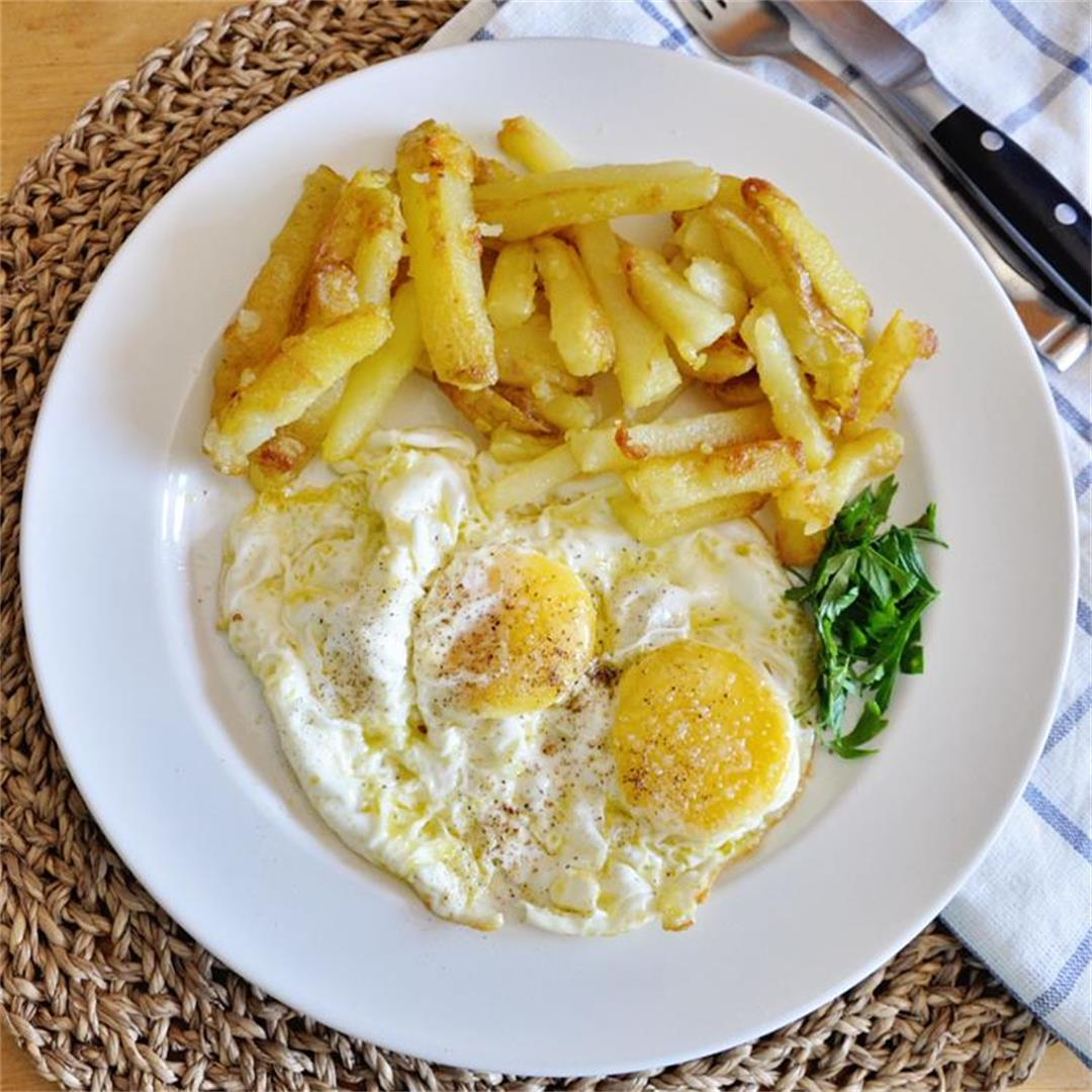 Spanish Eggs with Fried Potatoes in Extra Virgin Olive Oil Reci