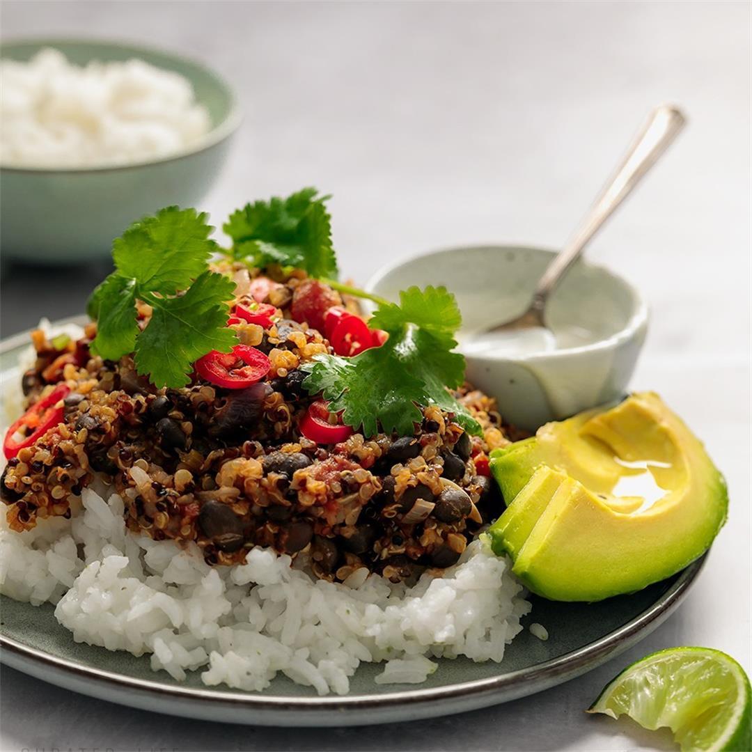 Vegetarian Chilli Con Carne with Black Beans & Quinoa
