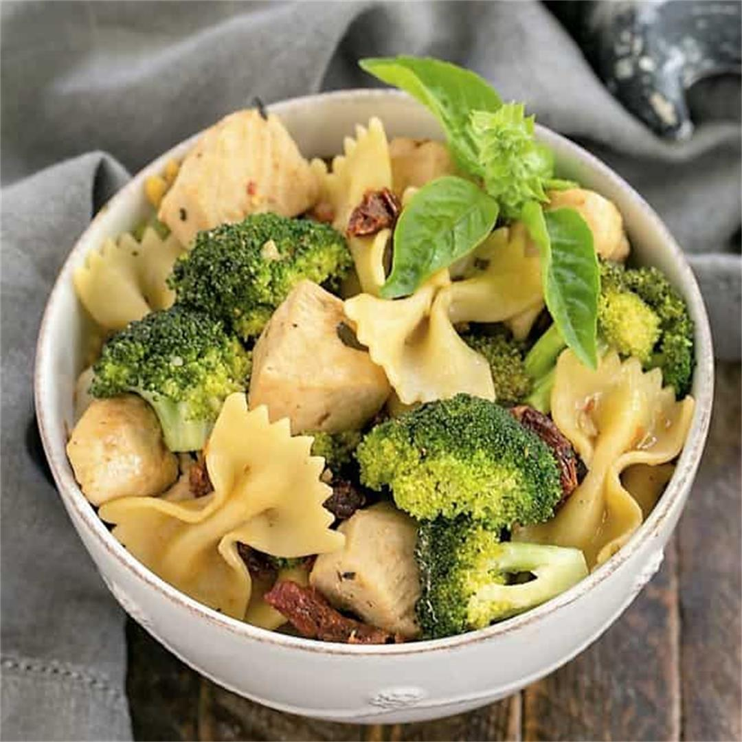Chicken Broccoli Sun-dried Tomatoes Pasta