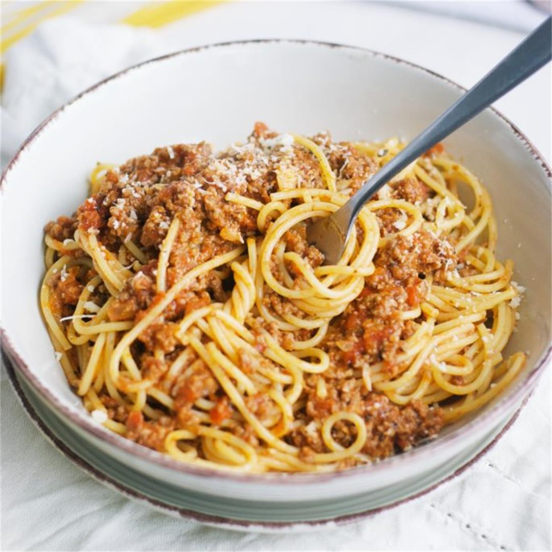 Bolognese Sauce With Cream (Quick And Easy)
