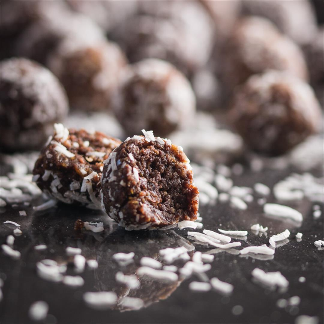 Almond, Peanut Butter and Chocolate Protein Balls