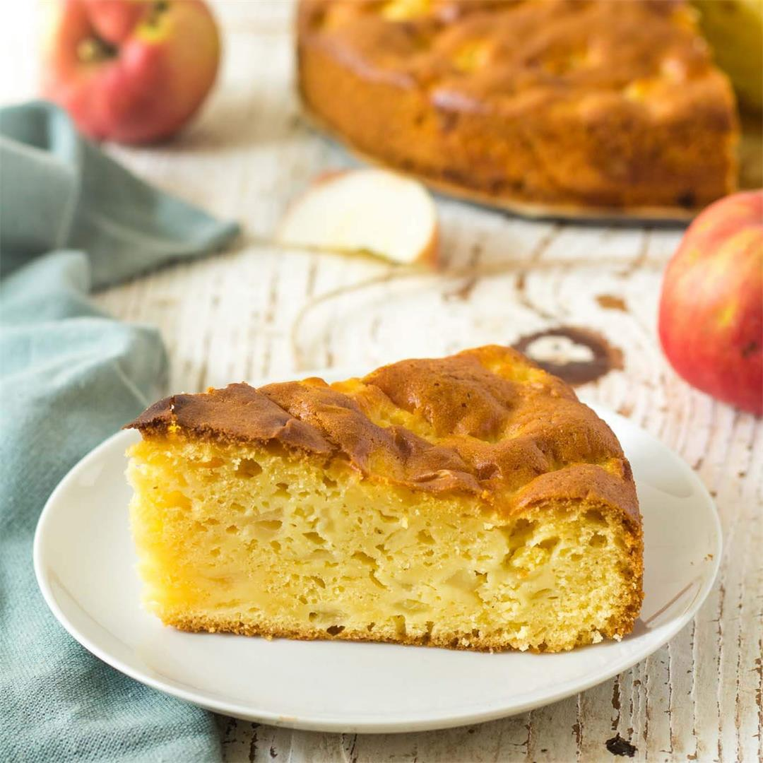 Simple Creamy Apple Cake