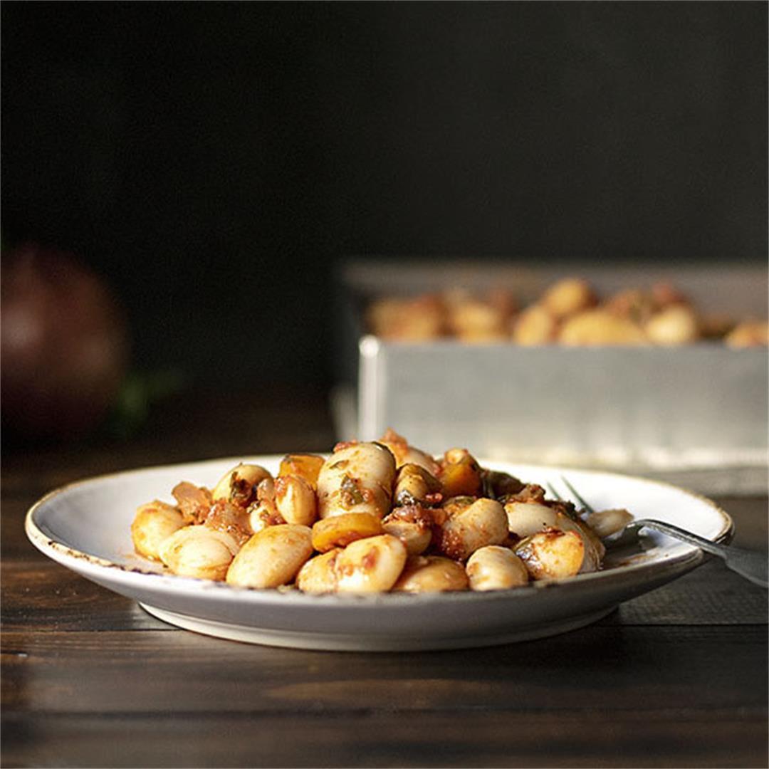 Greek baked giant beans (Gigantes Plaki)