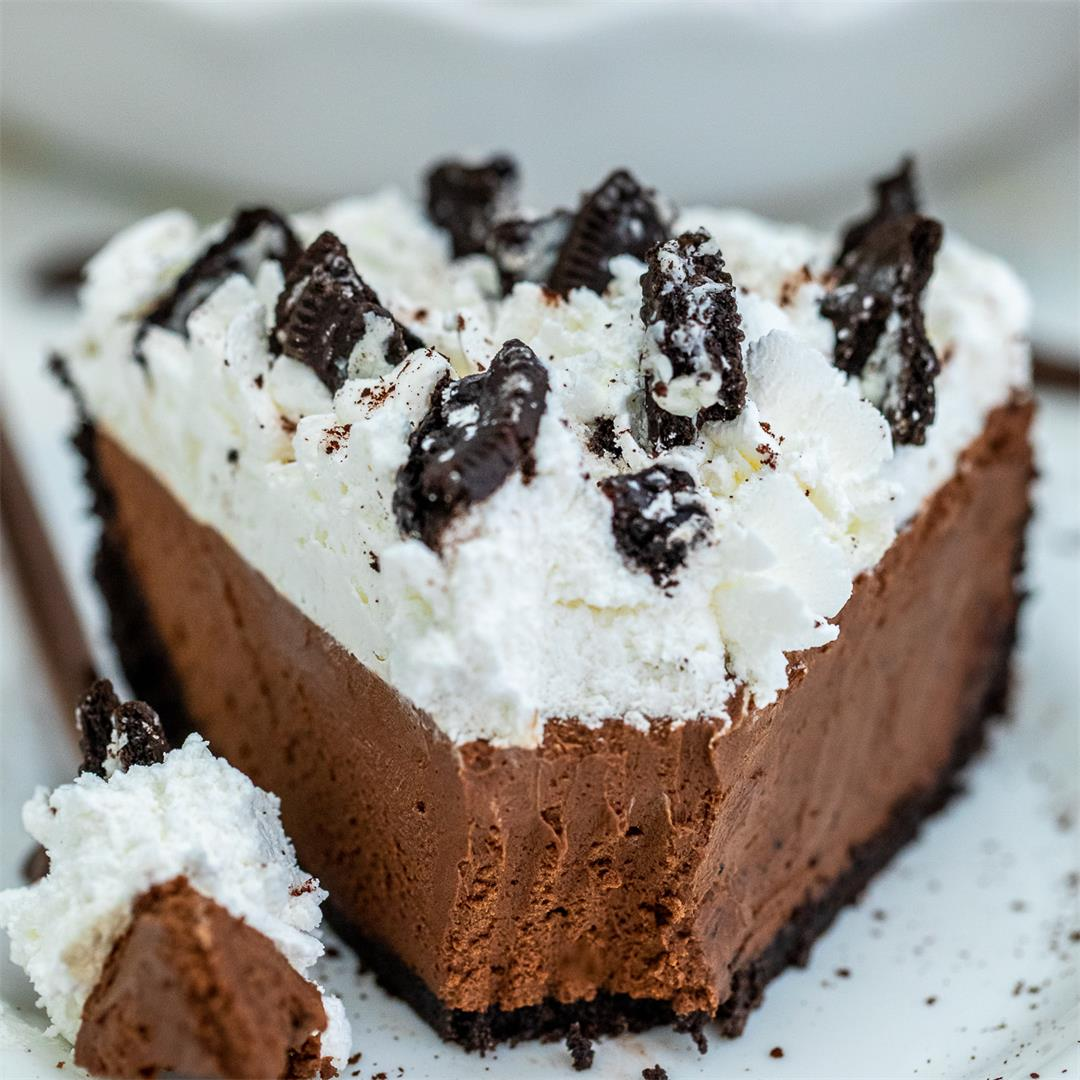 No Bake Chocolate Pie with Oreo Crust