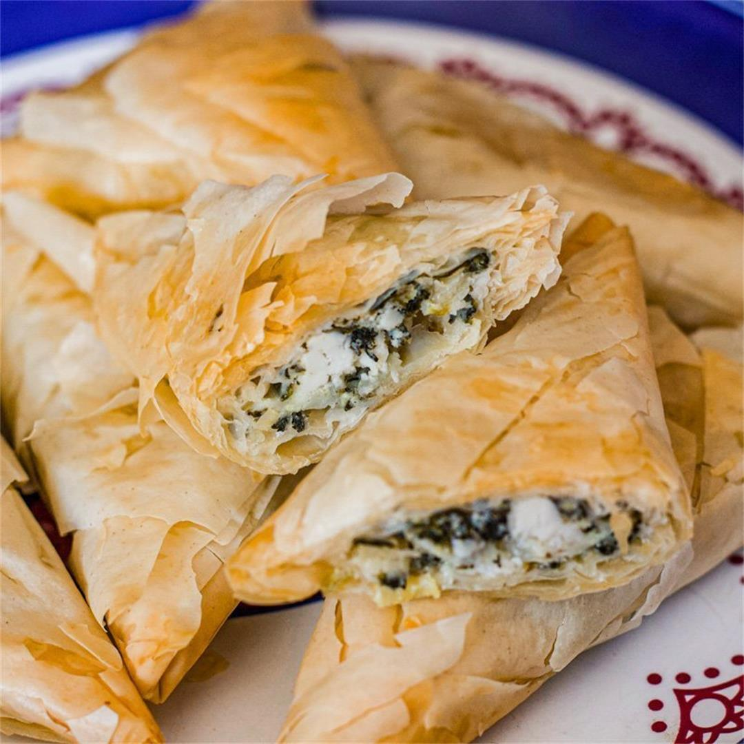 Easy Spanakopita Recipe (Greek Spinach Pies)