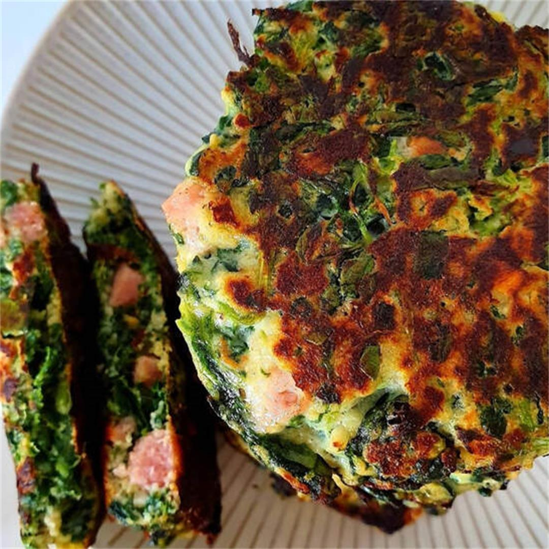 Keto Cheesy Spinach and Bacon Pikelets
