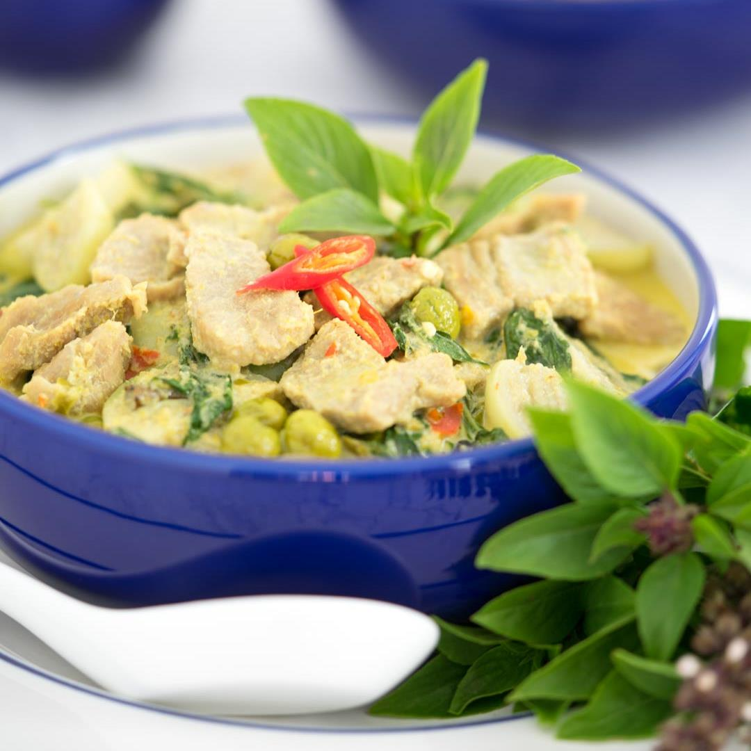 How To Make Thai Green Curry (Gaeng Keow Wan)