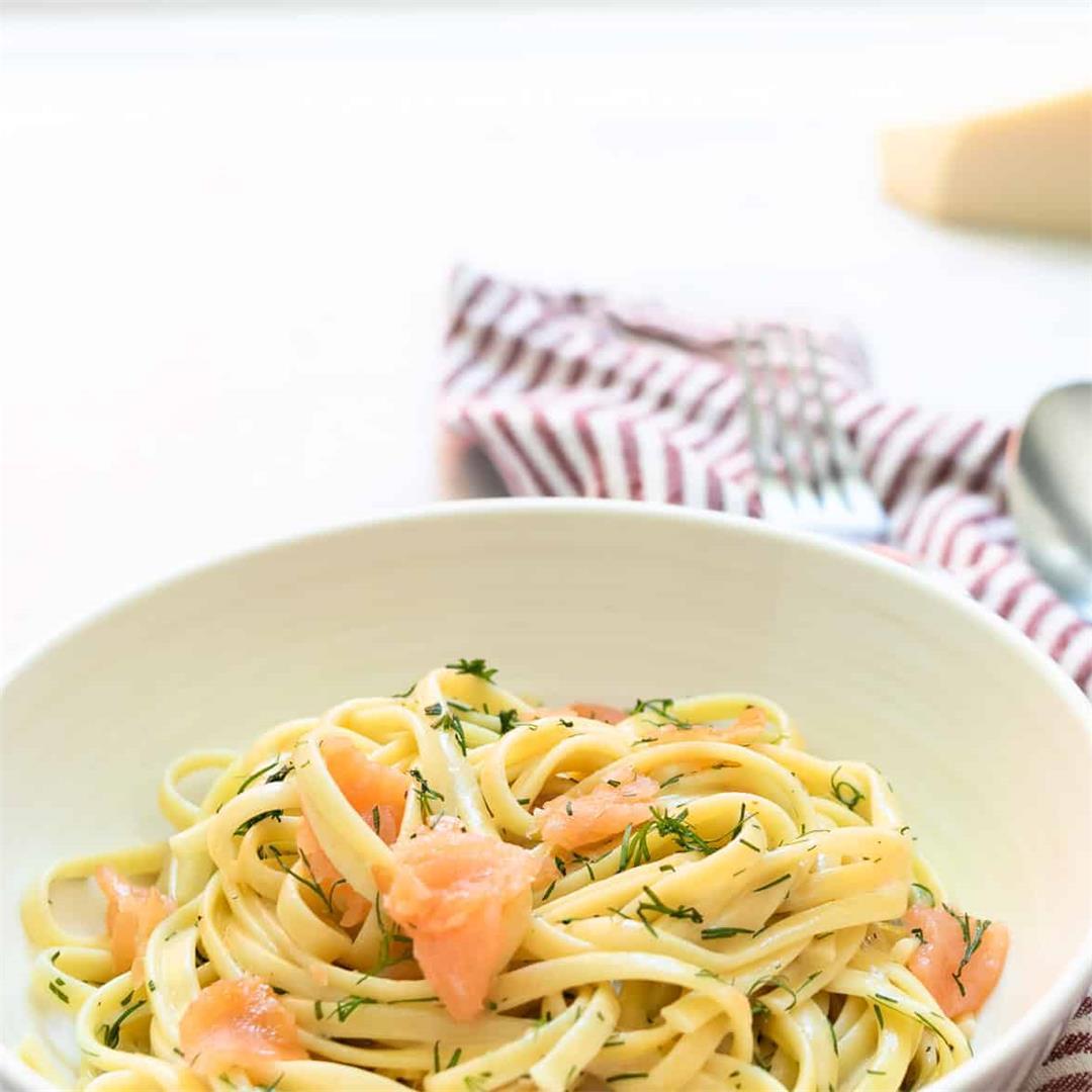 Creamy Smoked Salmon Pasta {20 Minutes!)