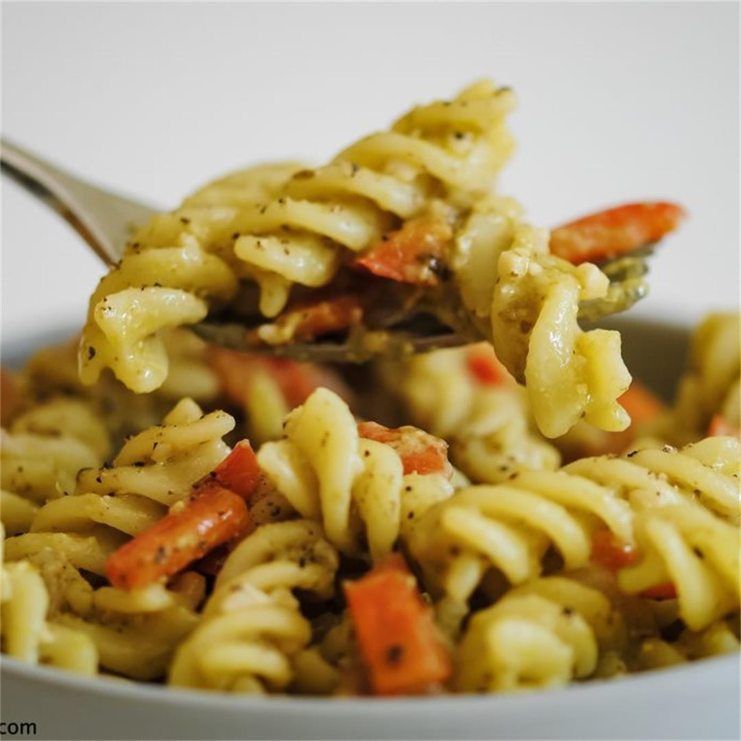 Microwave Pesto Pasta with Peppers