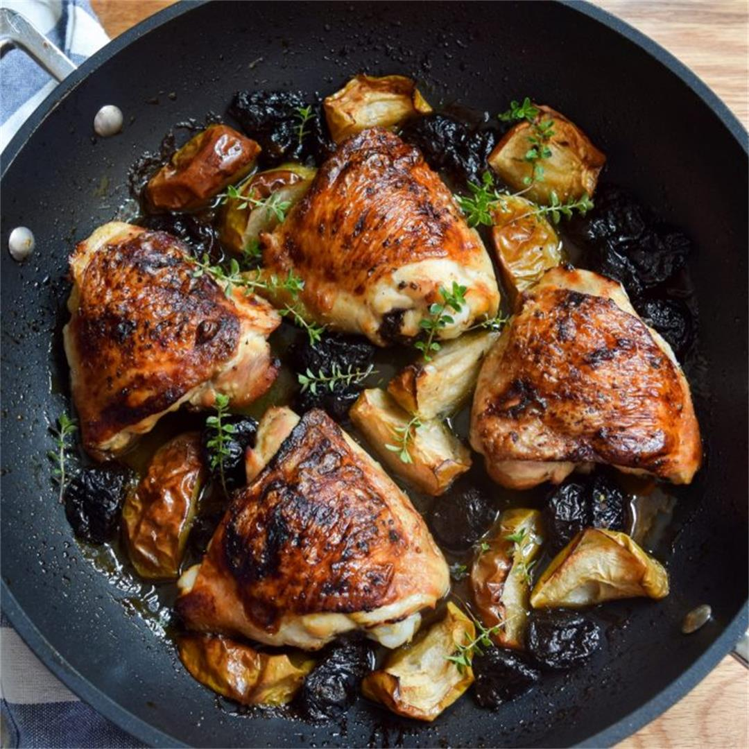 Recipe: One Pan Autumn Chicken with Apples & Prunes