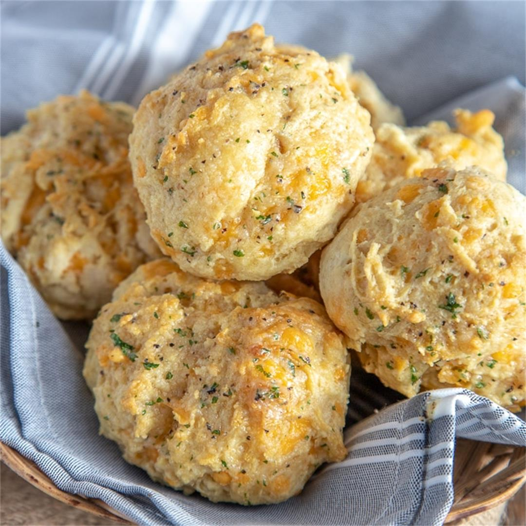 Red Lobster Biscuits (a Copycat recipe)