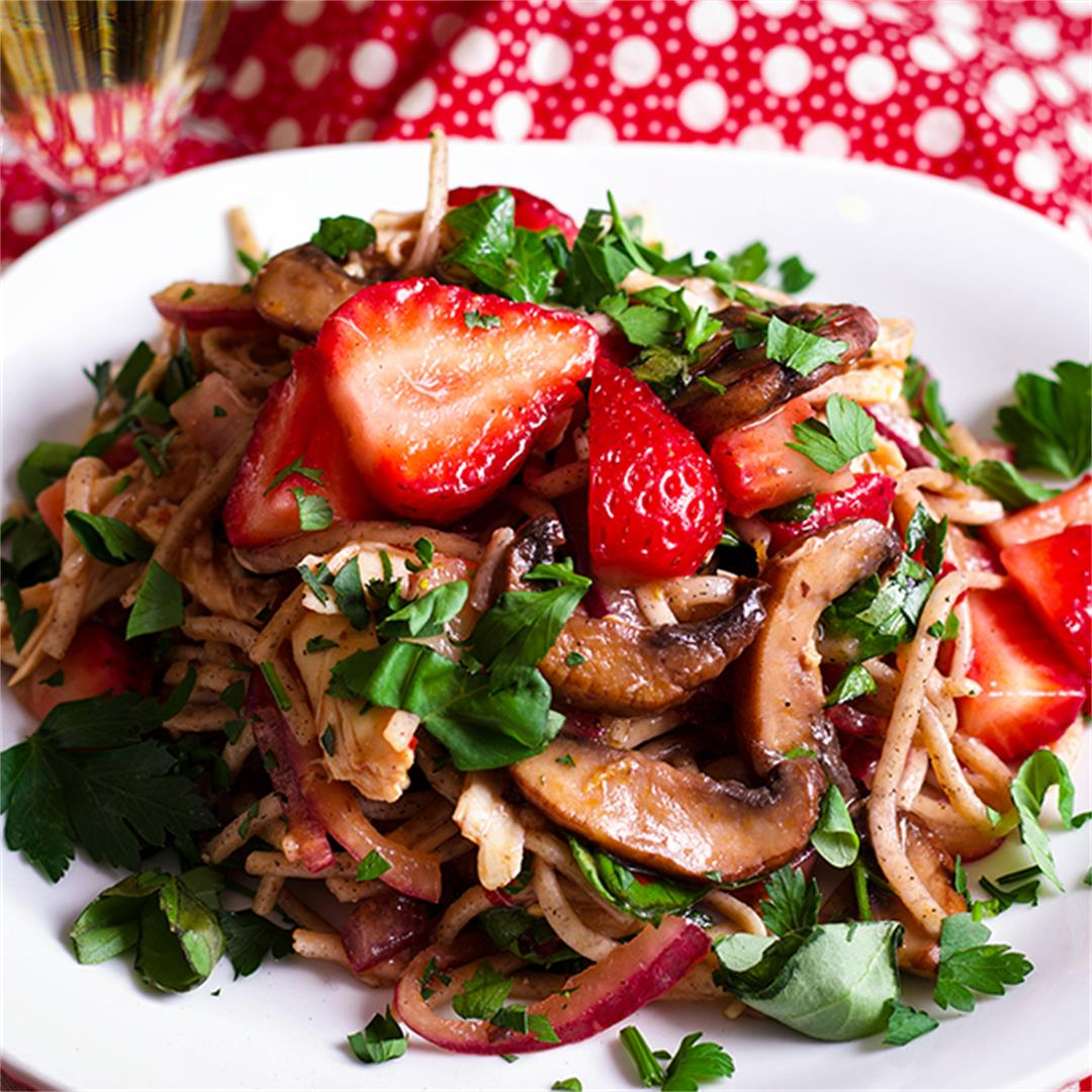 Mushroom & Noodle Stir Fry with Strawberries & Chicken {or Tofu