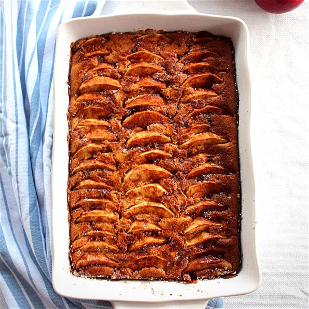 Apple, Walnuts and Honey Cake