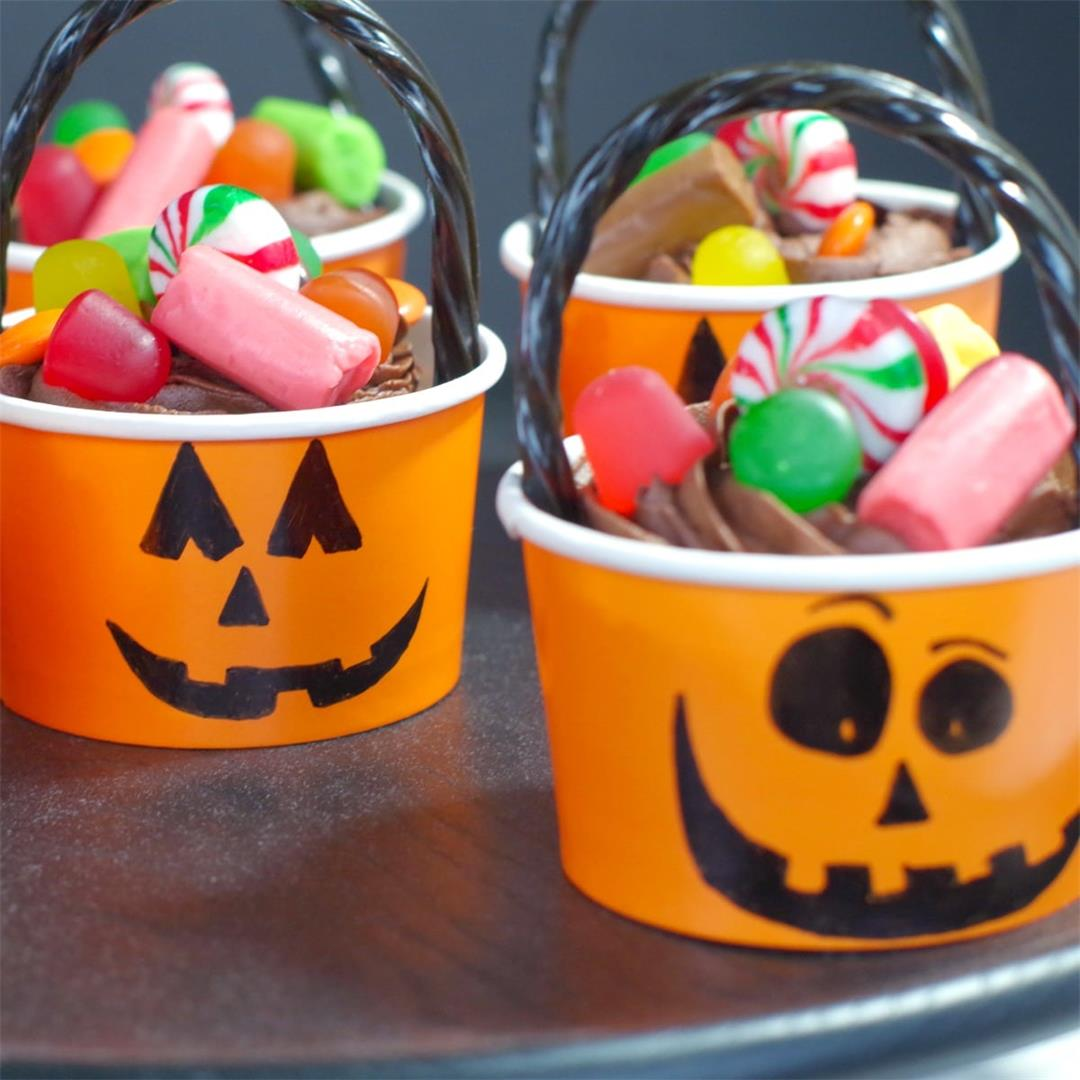 Halloween Jack o'latern Bucket Cupcakes