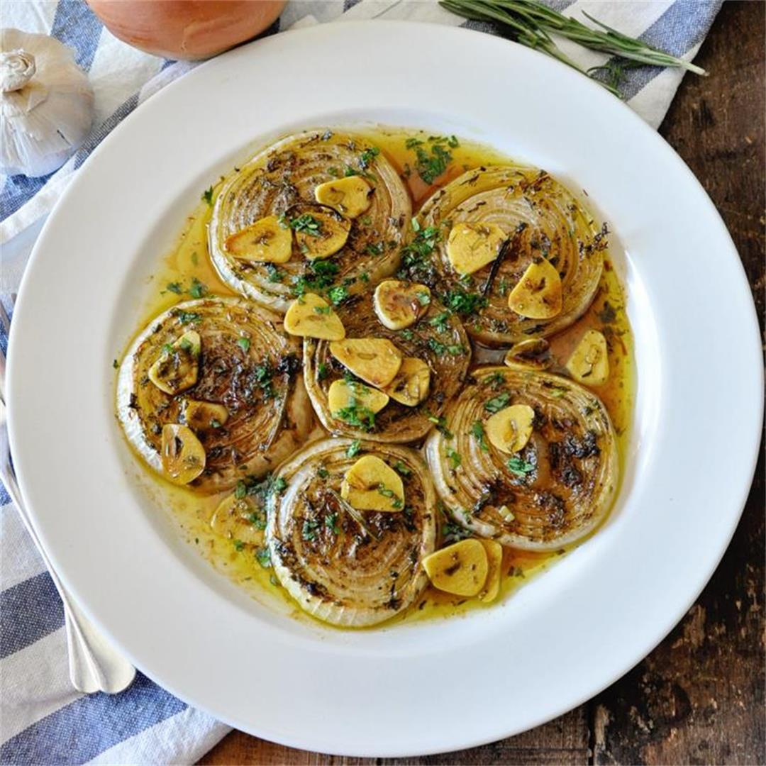 Roasted Spanish Onions in White Wine, Spices & Herbs