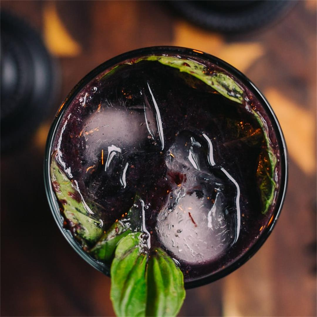 Midnight in the Witch's Garden Cocktail (Sugar Free)