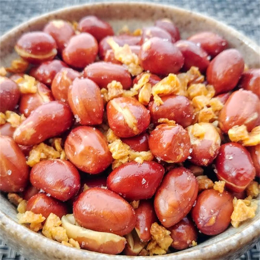 Garlicky Fried Peanuts