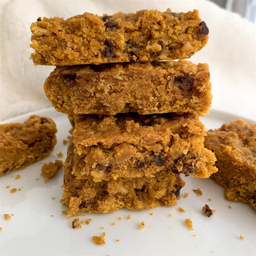 Peanut Butter & Pumpkin Chocolate Chip Oat Bars