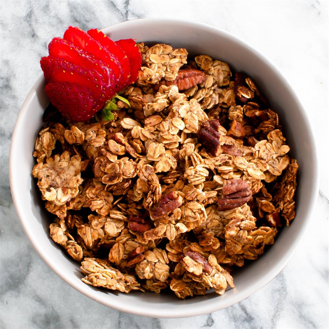 Vegan Oil-Free Granola (Healthy and Easy!)
