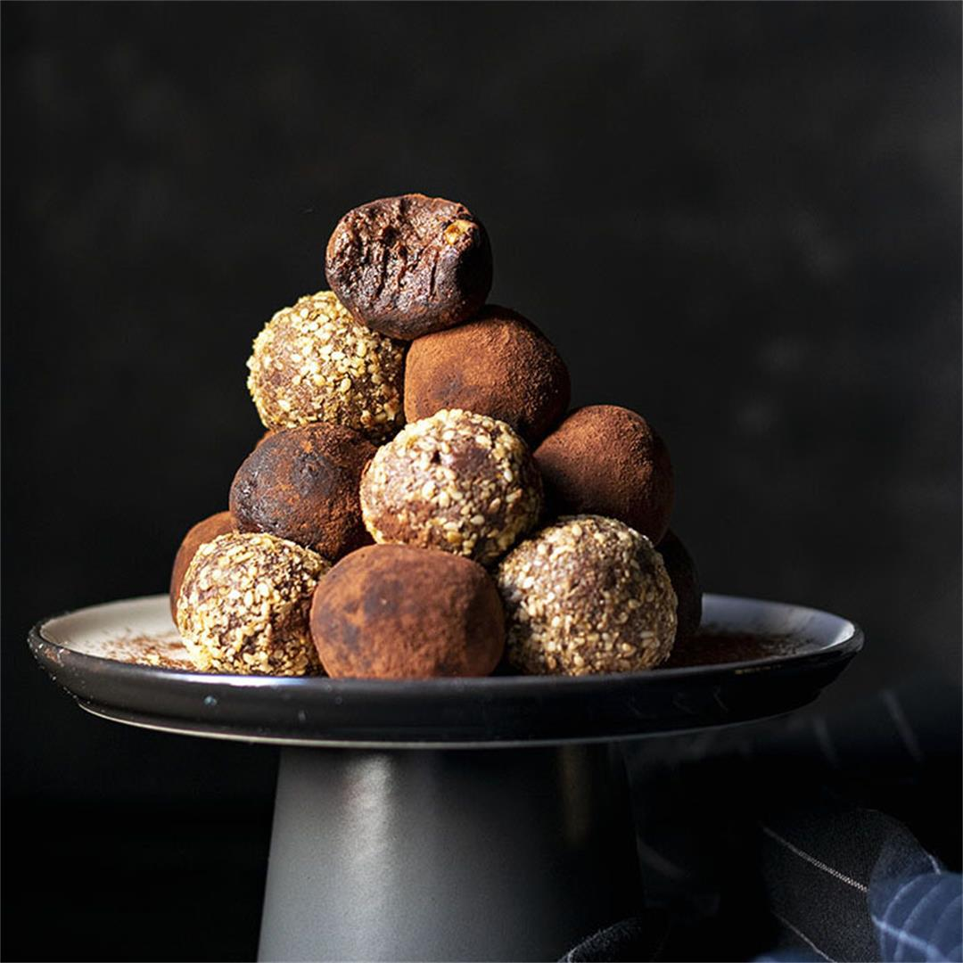 Energy balls recipe (an extra chocolaty & healthy snack)