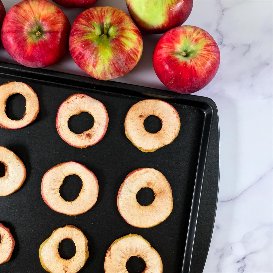 Pumpkin Spice Baked Apple Chips Recipe - No Added Sugar!