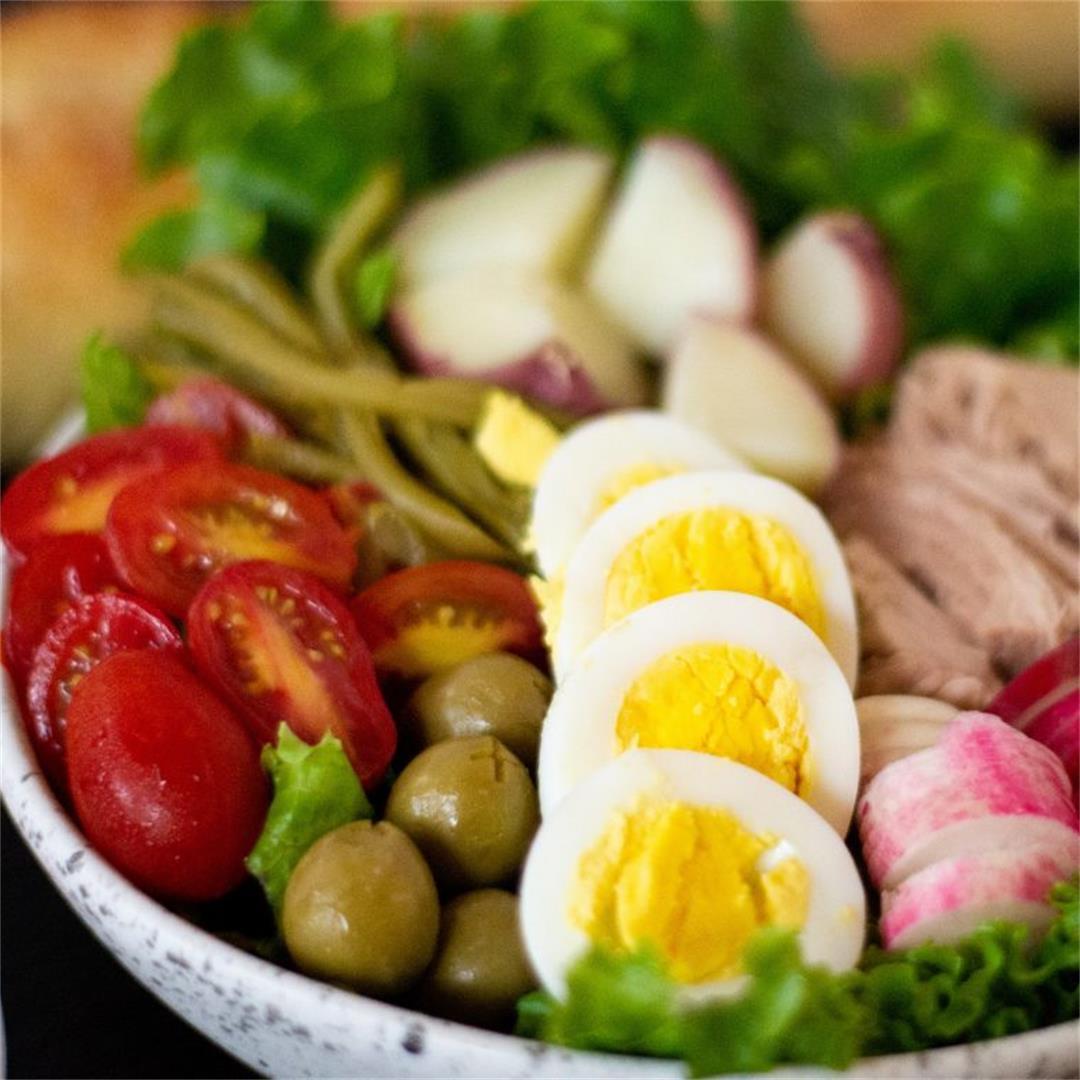 Traditional Niçoise Salad