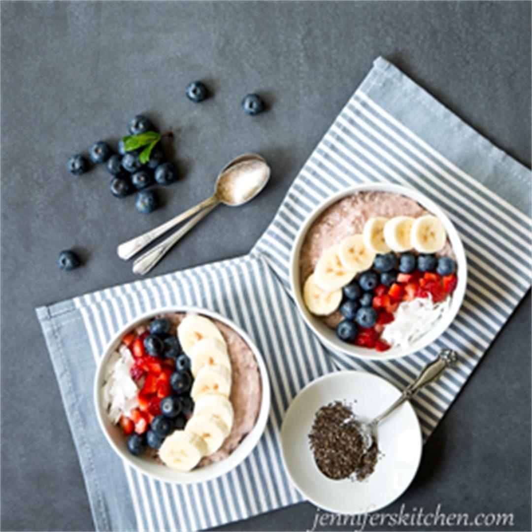 Vegan Berry Chia Breakfast Bowl