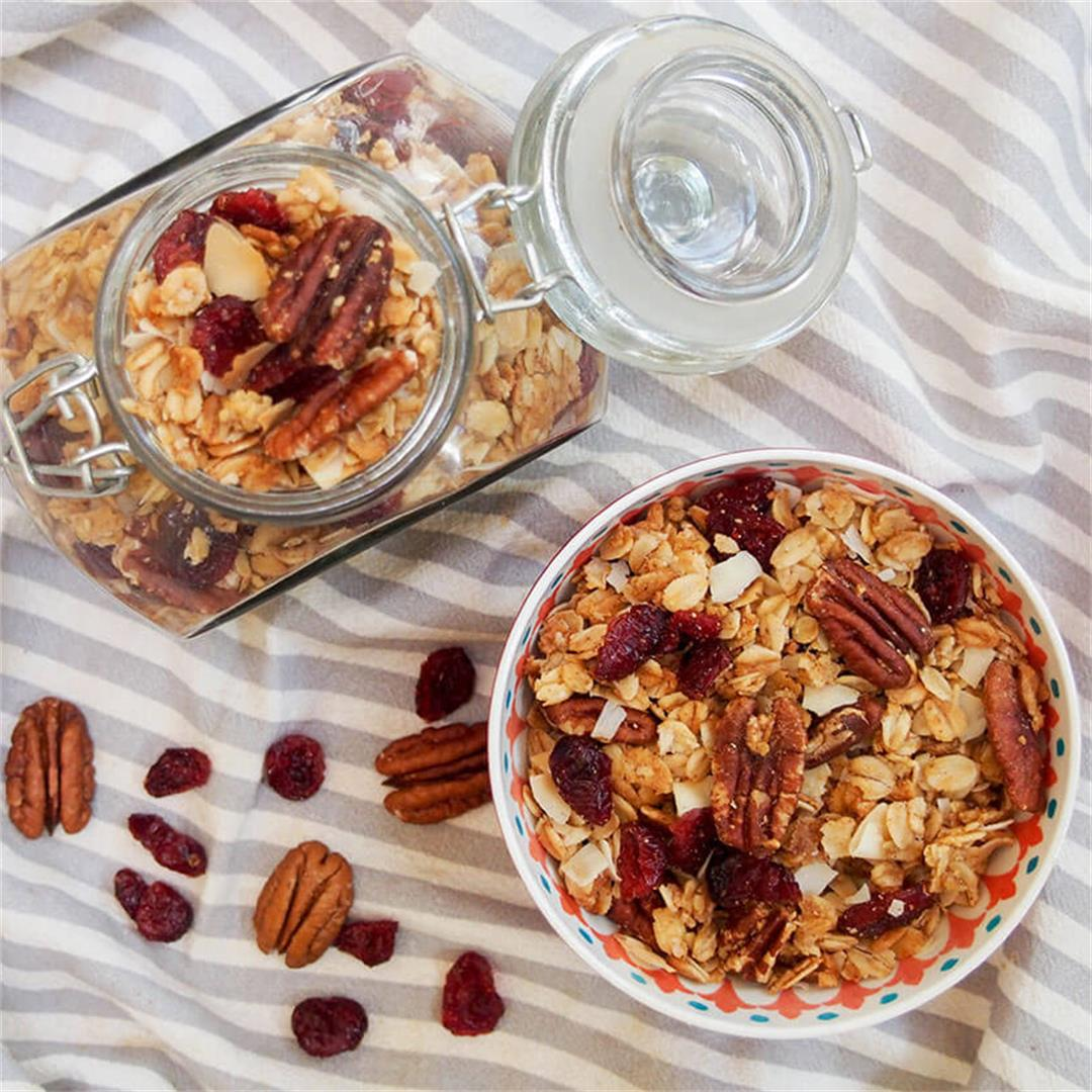 Homemade granola recipe (with cranberries & coconut)