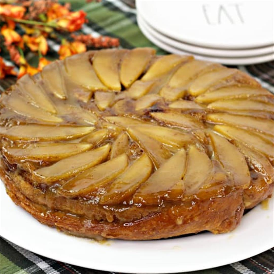 Cinnamon Roll Apple Upside Down Cake Recipe