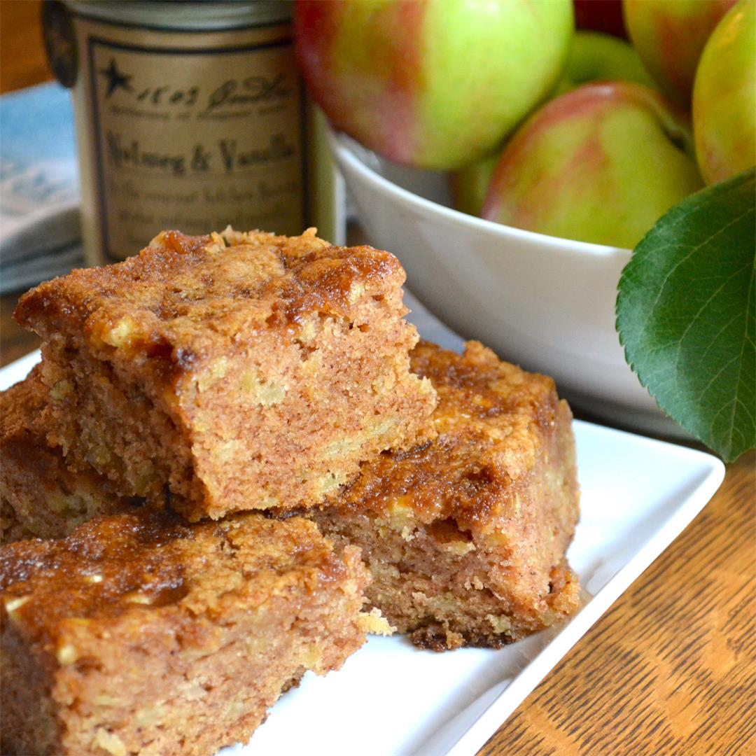 Scrumptious Apple Cake