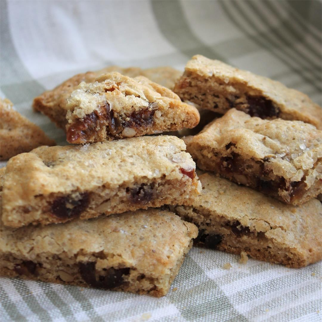 Holiday Date Nut Cookie Bars – My Recipe Reviews