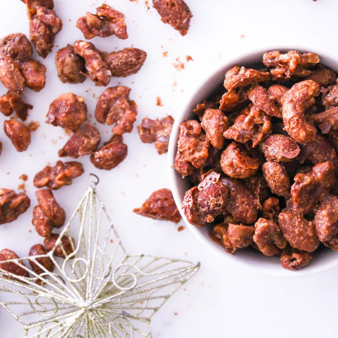 Easy Keto Cinnamon-Maple Spiced Nuts