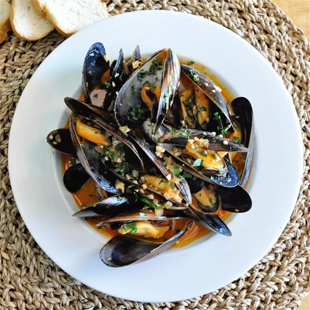 Spanish Marinated Mussels in Escabeche Sauce