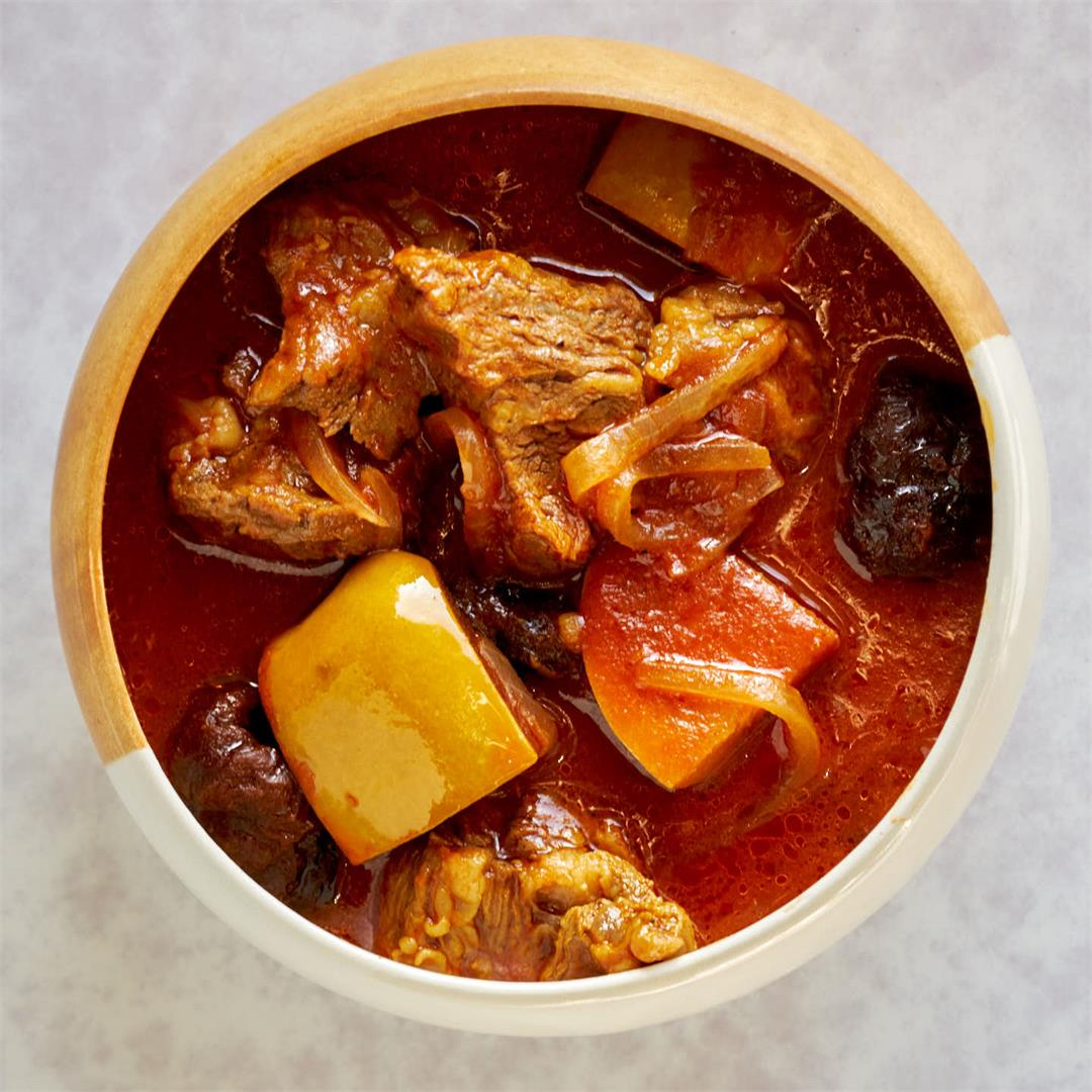 Persian Quince, Plum, and Beef Stew