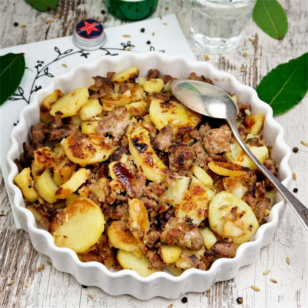 Easy and quick Italian rustic fennel sausage and potato skillet