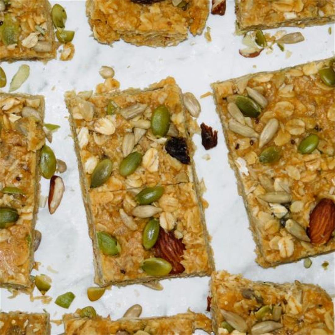 Rolled Oats and Trail Mix Bars