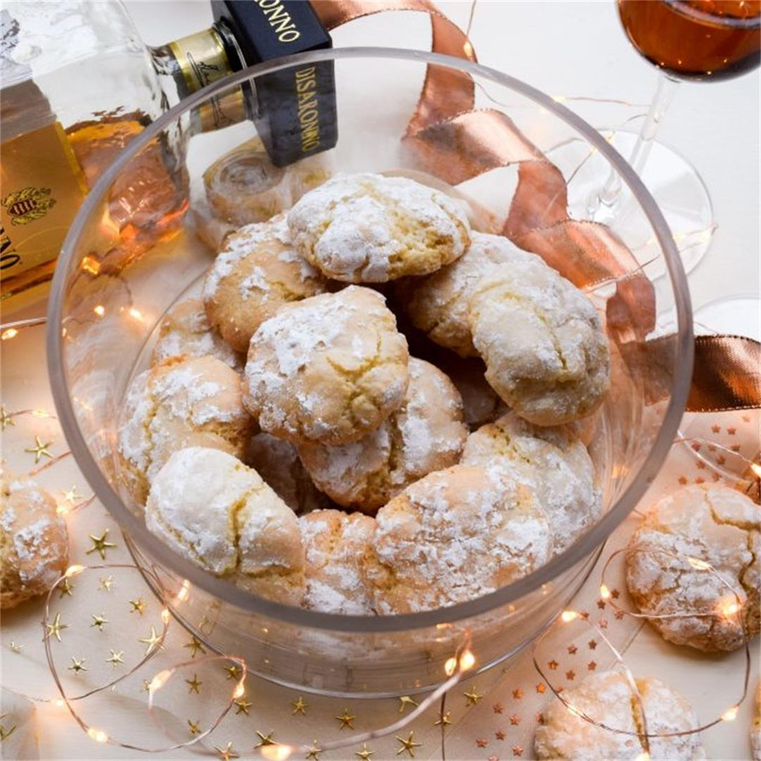 How To Make Amaretti Biscuits