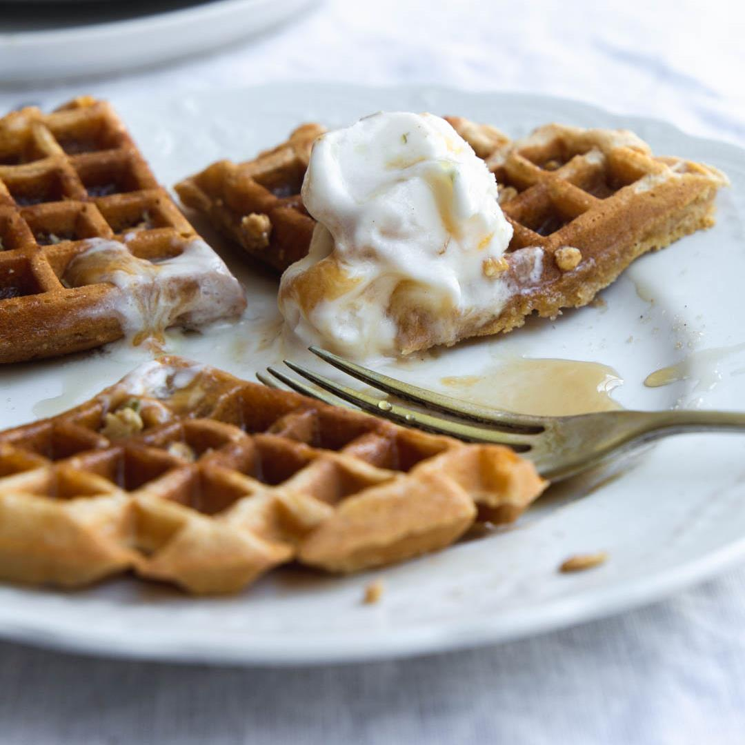 Simple Vegan Pumpkin Waffles