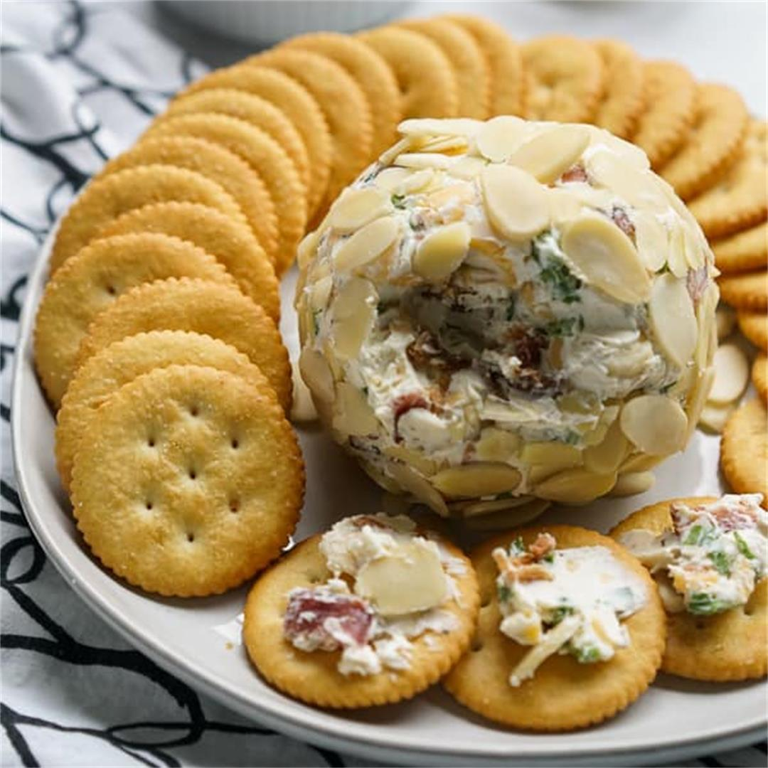 Bacon Ranch Cheeseball (Easy and Fun Party Food!)