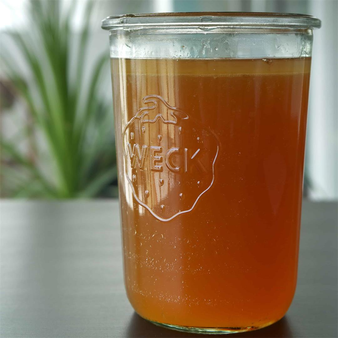 A Complete Guide to Bone Broth with Recipe