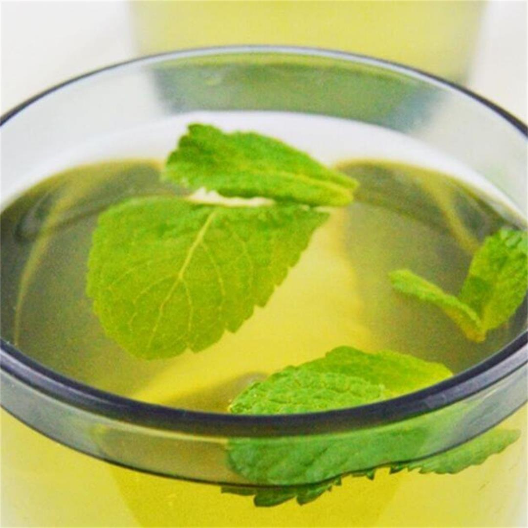 Fresh Mint Tea (Sugar-free, Caffeine-free + Video)