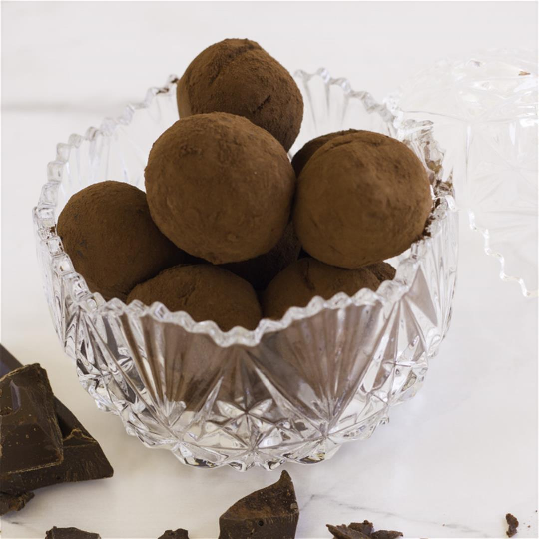 Easy Vegan Chocolate Truffles