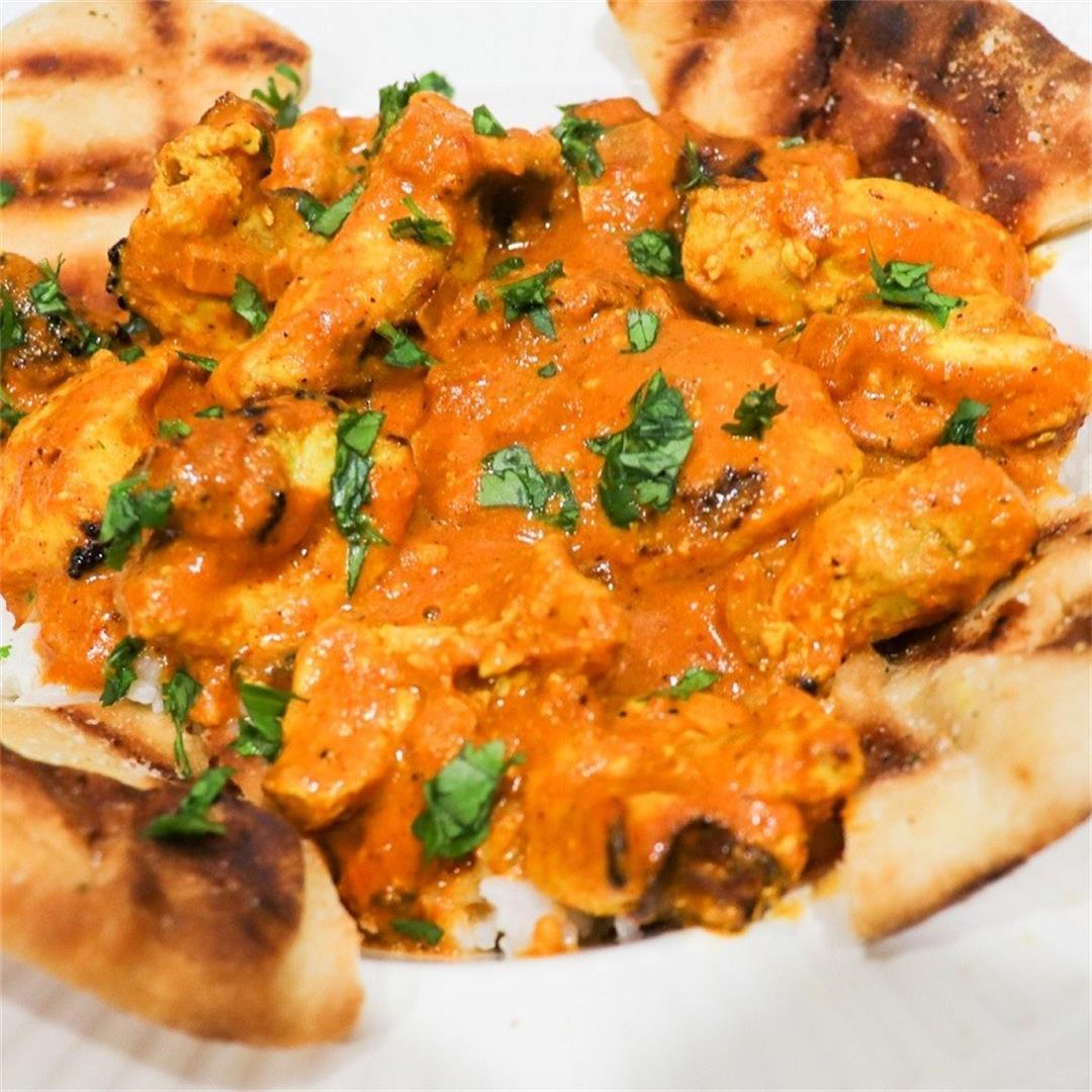 Chicken Tikka Masala: Tender Pieces of Chicken in a Flavorful S