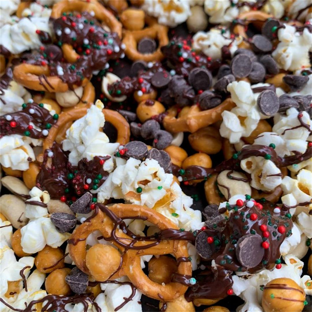 Sweet & Salty Christmas Snack Mix