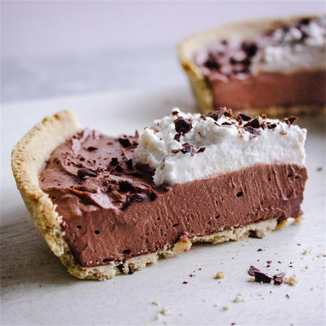8-Ingredient Vegan Chocolate Pie (gluten-free)