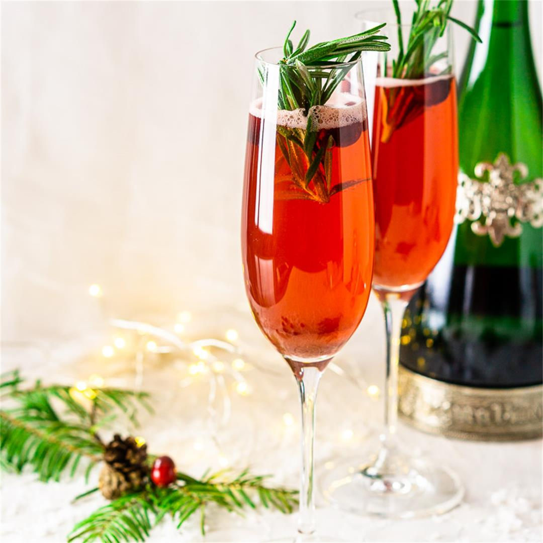 Cranberry-Spice Christmas Mimosa