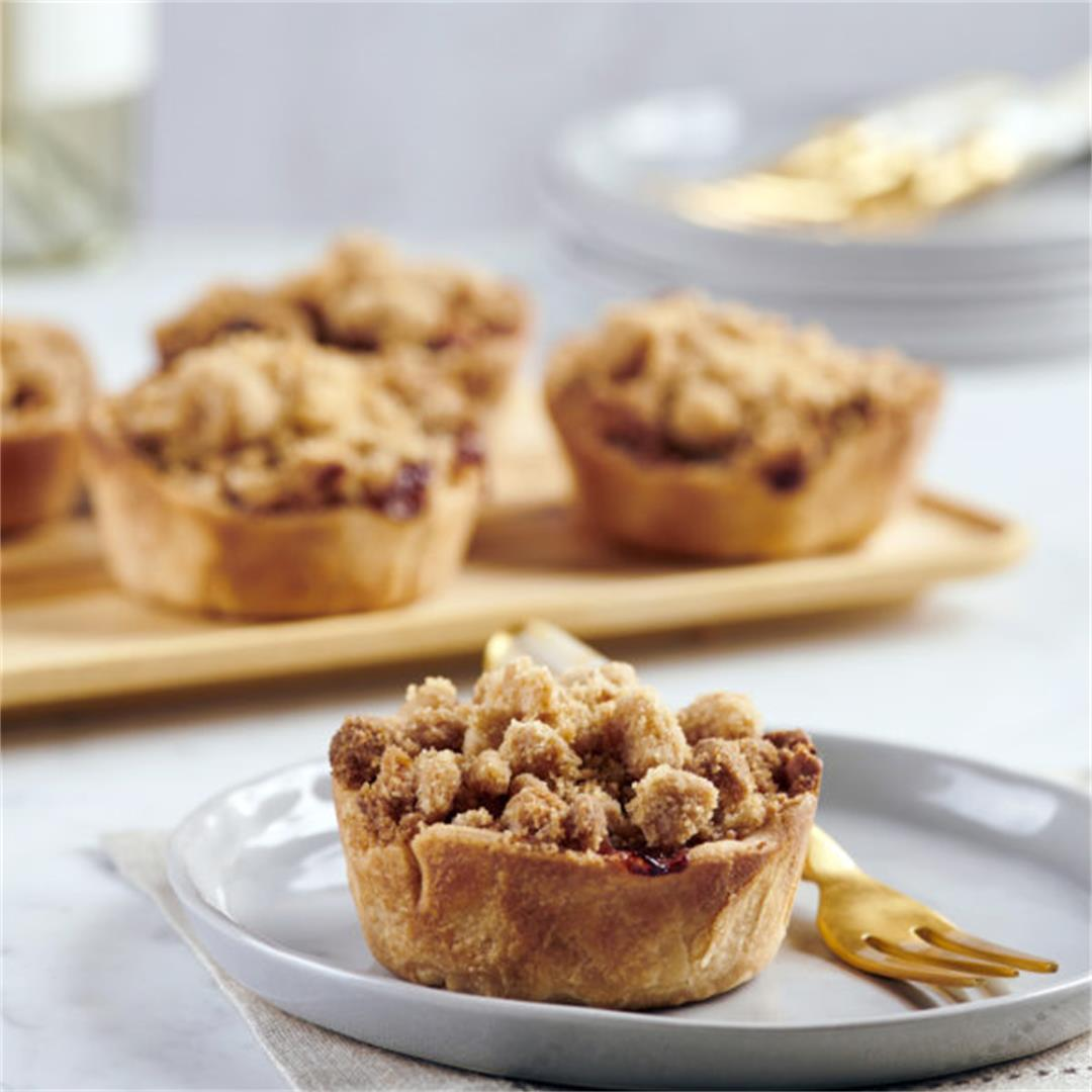 Mini Apple Pies with Crumb Topping