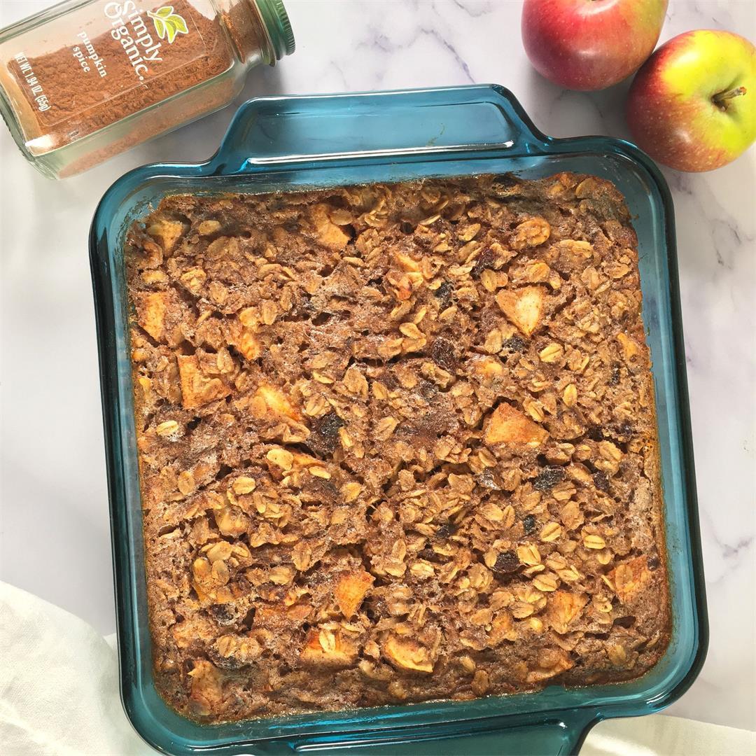 Healthy Baked Oatmeal Recipe – No Added Sugar!