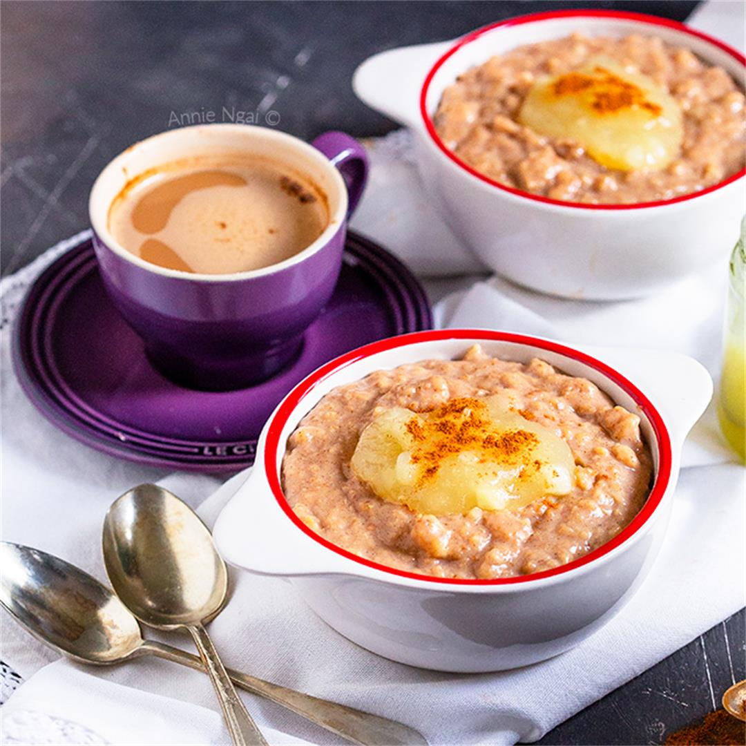 Slow Cooker Oatmeal with Cinnamon and Applesauce
